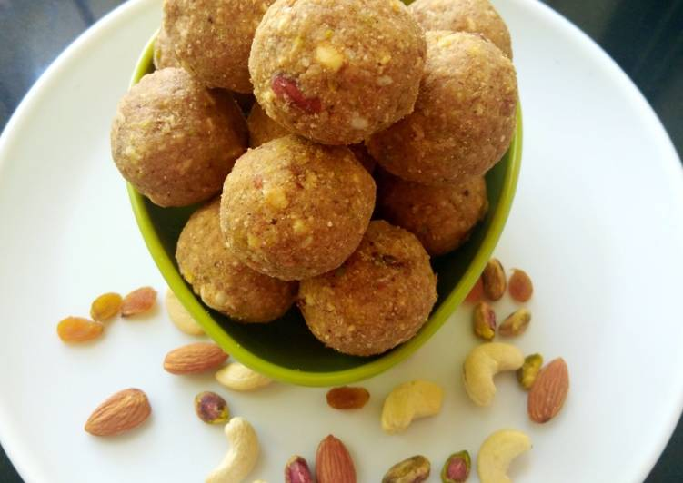 Recipe of Homemade Dry fruits and gond laddu