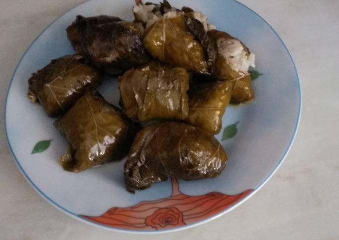 κύρια φωτογραφία συνταγής Ντολμαδάκια της μαμάς Ελένης