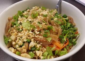 How to Prepare Delicious Vegan or Vegetarian Phad Thai