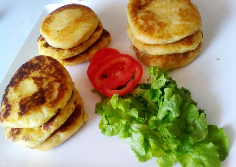 Simple Way to Prepare Speedy Mashed leftover potatoes pancakes