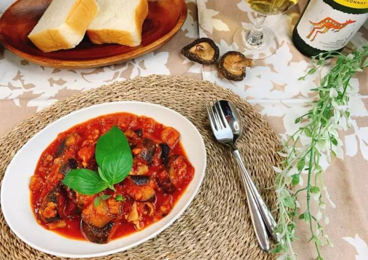 Eggplant and tomato stew with Shiitake powder
