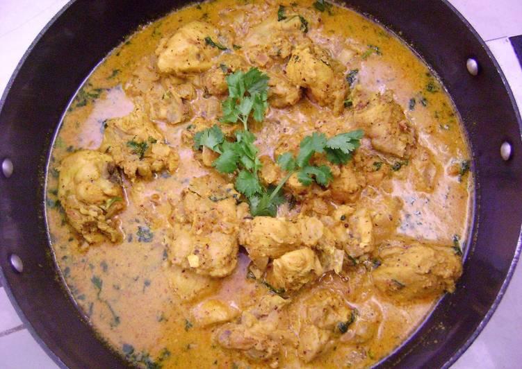Shahi Chicken Kasundi (Chicken in Creamy Mustard Gravy)