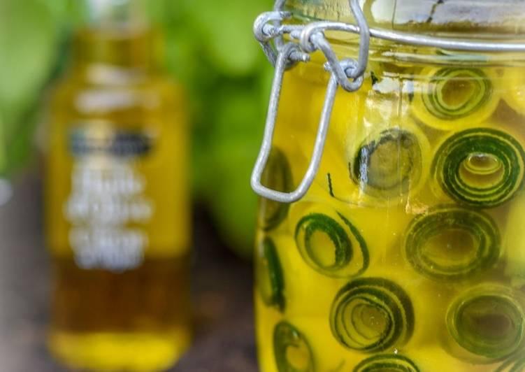 Les Meilleures Recettes de Courgettes marinées à l'huile d'olive au citron
