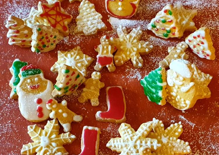 Biscotti di natale decorati glutenfree e vegan