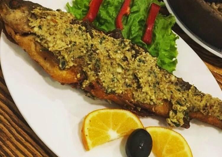 рыба под ореховым соусом с фото помощью растительности лице