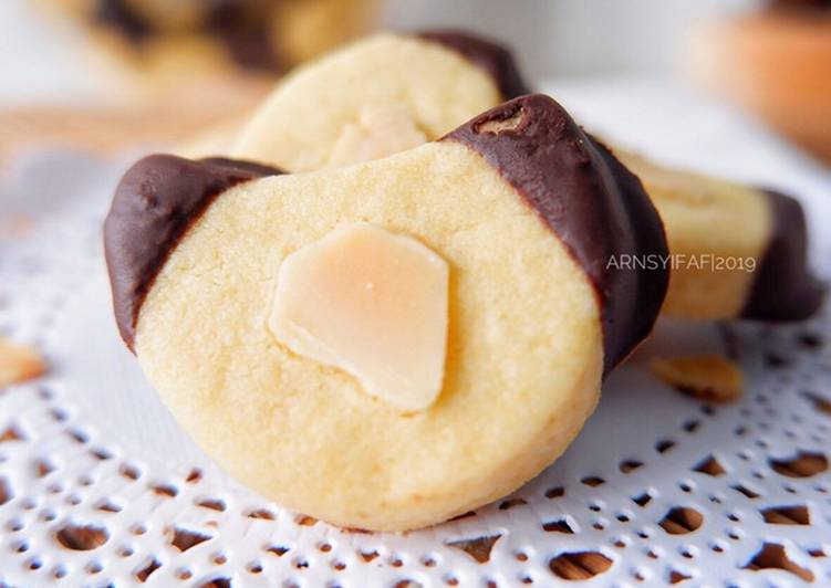 Butter Cookies Choco Almond