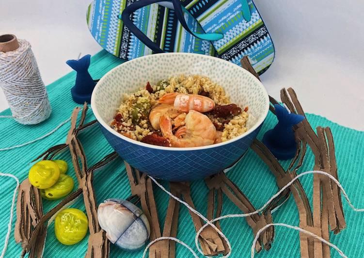 Ricetta Insalata di cous cous e grano con gamberi, fiori di