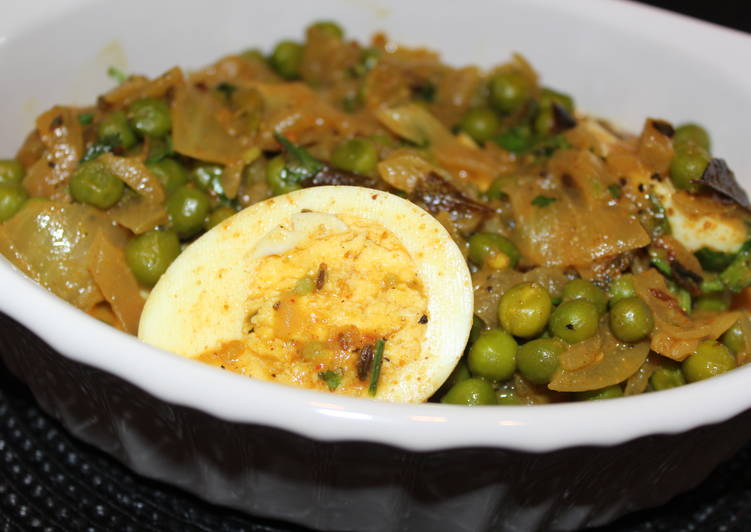 Recipe: Delicious Egg and green peas masala