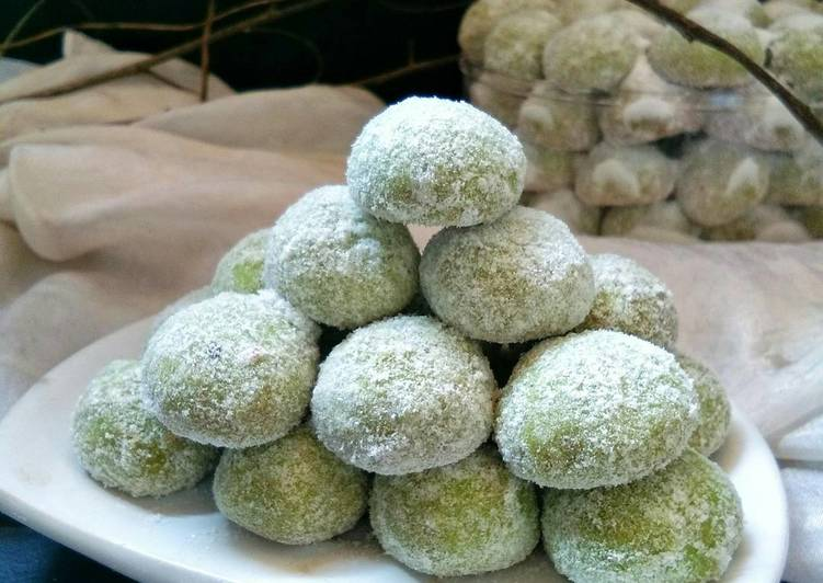 Snow Balls Cheesse Pandan Cookies