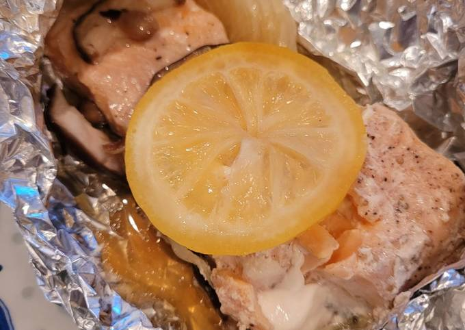 Healthy Baked Salmon in Foil