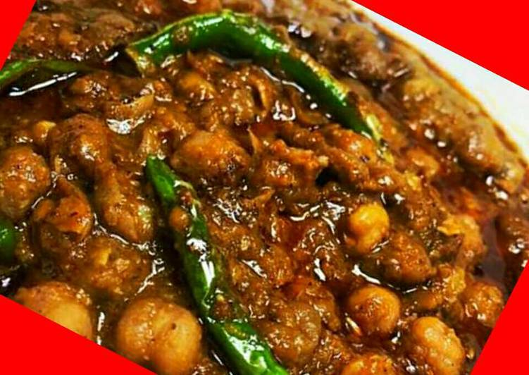 Authentic Punjabi Chole(Amritsari Chole) - Laurie G Edwards