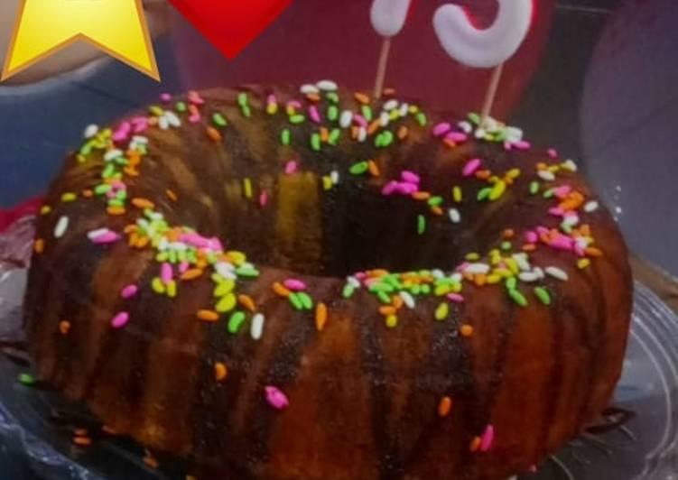 Donut marble cake