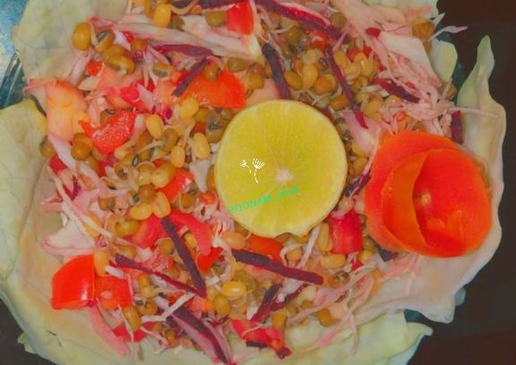 Recipe of Homemade Sprouted moong salad