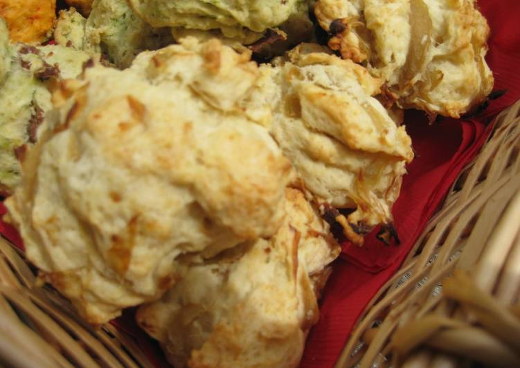 Onion Hot Biscuit (Scone)