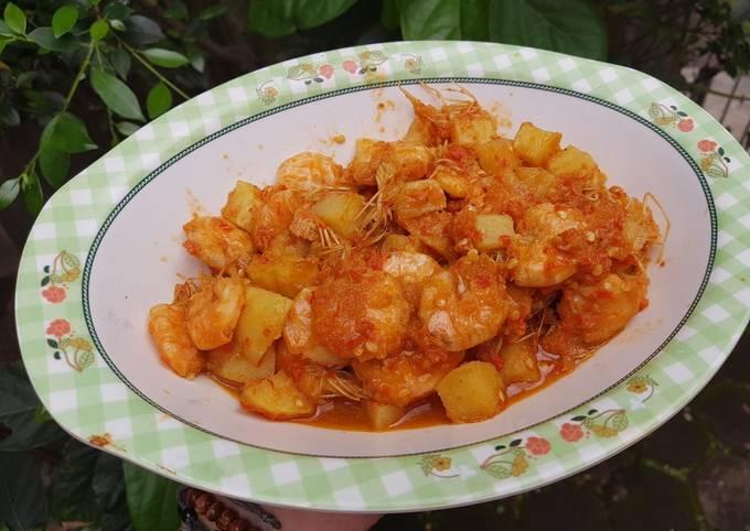 Balado udang & kentang pedas manis
