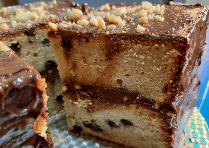 Chocolate Chip Vanilla Cake 🎂