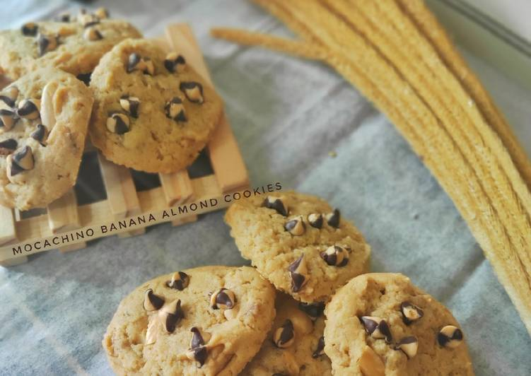 Mocachino Banana Almond Cookies