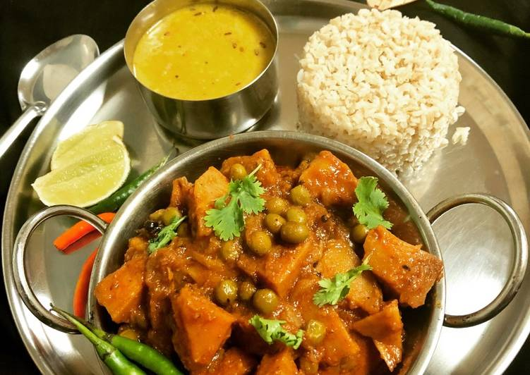 Simple Way to Make Most Popular Echore Kosha (Green Jackfruit Curry)