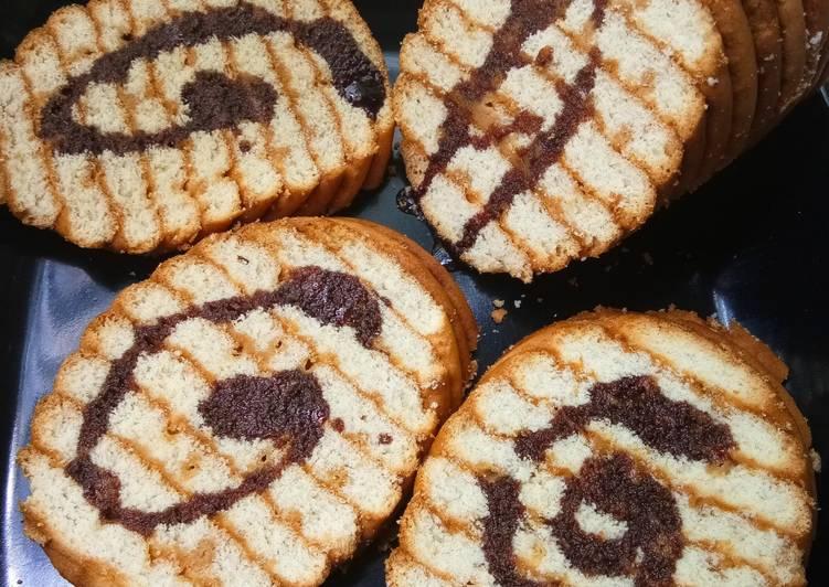 Coffee dip biscuit cake