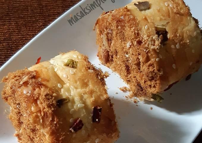 Roti gulung abon/floss roll