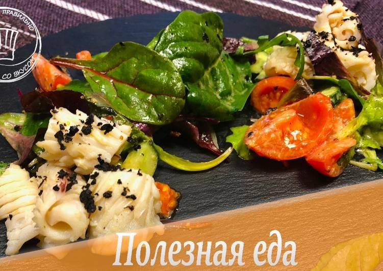 Салаты с кальмарами: 5 простых рецептов со вкусом моря   532x751