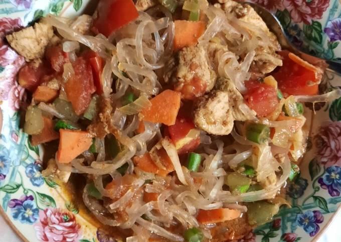 Ayam kari mie shirataki (+- 290 kalori)