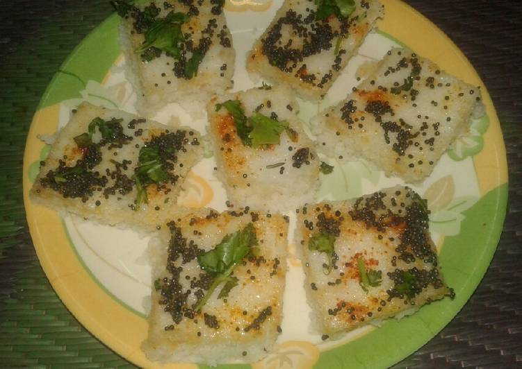 Instant and very soft Rava dhokla
