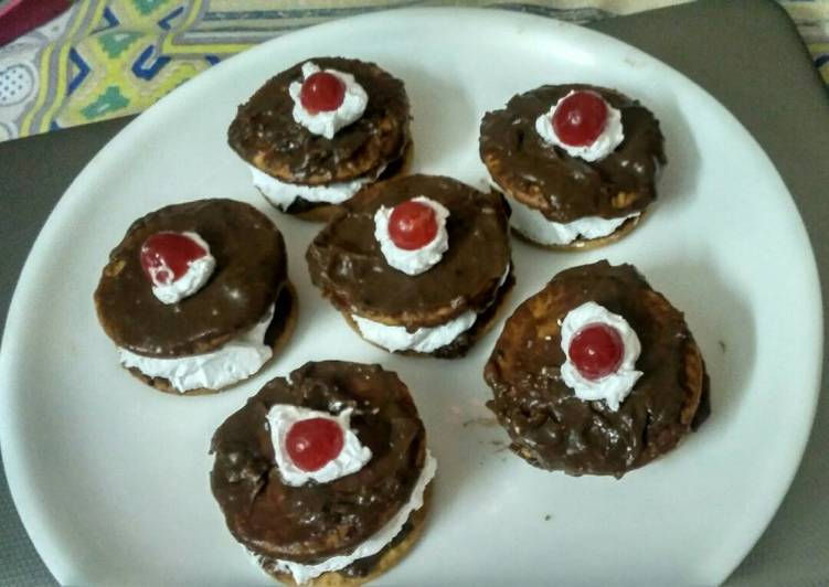 Homemade chocolate cream biscuits