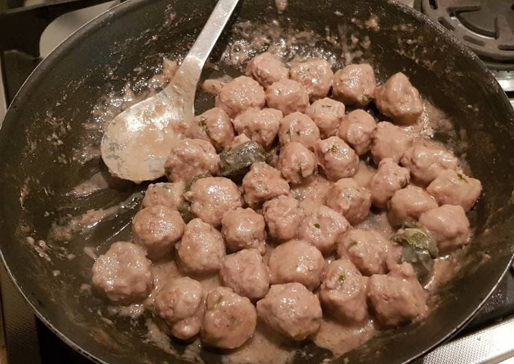 Foods That Can Make You Happy Italian meatballs aka Polpette