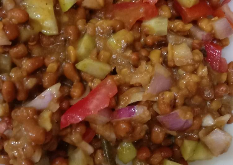 Information on How to Improve Your Mood with Food Lobia Chaat