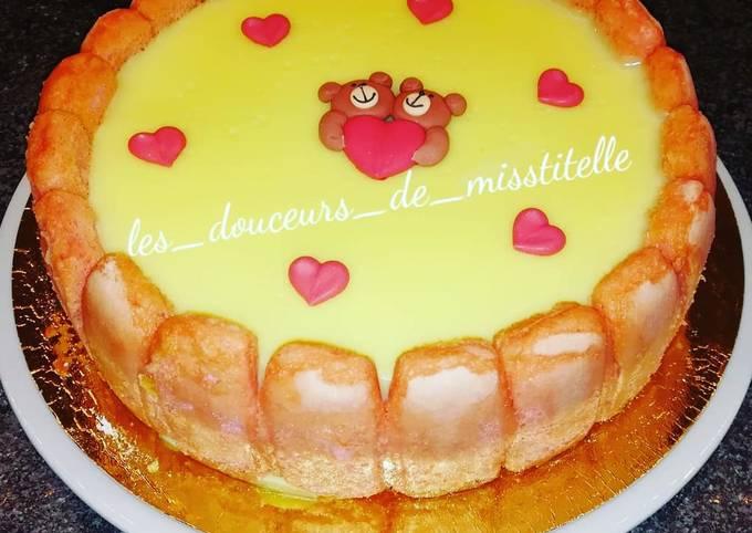 Gâteau facile à la crème vanille et insert fraise