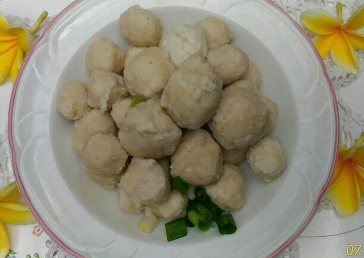 Resep Bakso ayam rumahan oleh Bunda hanifa - Cookpad