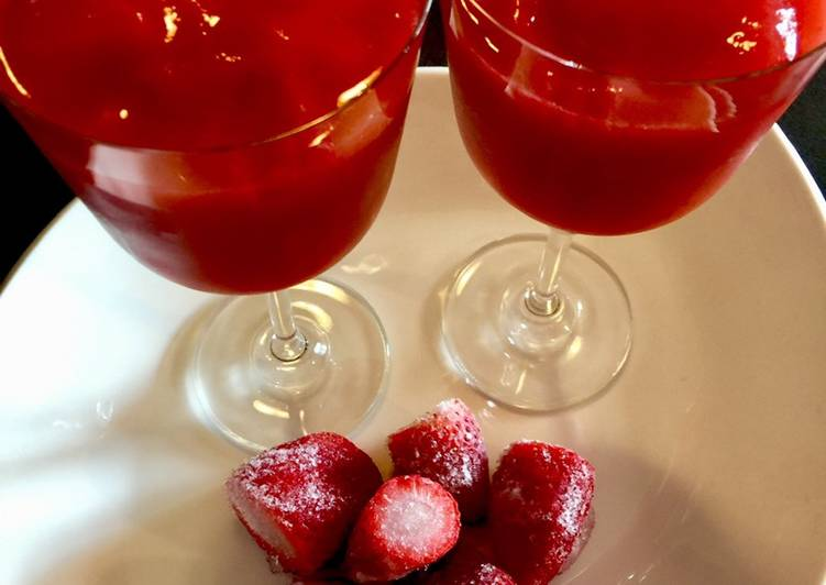 Recipe of Homemade Strawberry Daiquiri 🍓