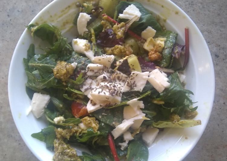 Recipe: Tasty Salad with pesto