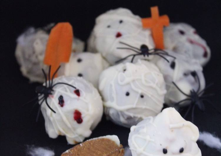 YUMMY PUMPKIN CHEESECAKE TRUFFLE MUMMIES (NO BAKE) #halloween – Delish Cookbooks