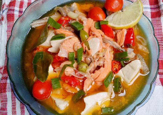 Resep Sup Salmon Kuah Asam Pedas Oleh Pawon Iboook Sonia H R Cookpad