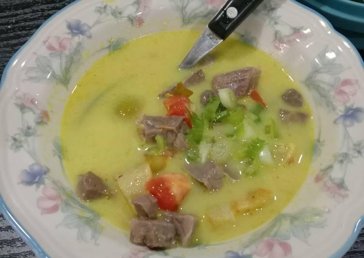 Soto Campur santan kuning /soto daging santan