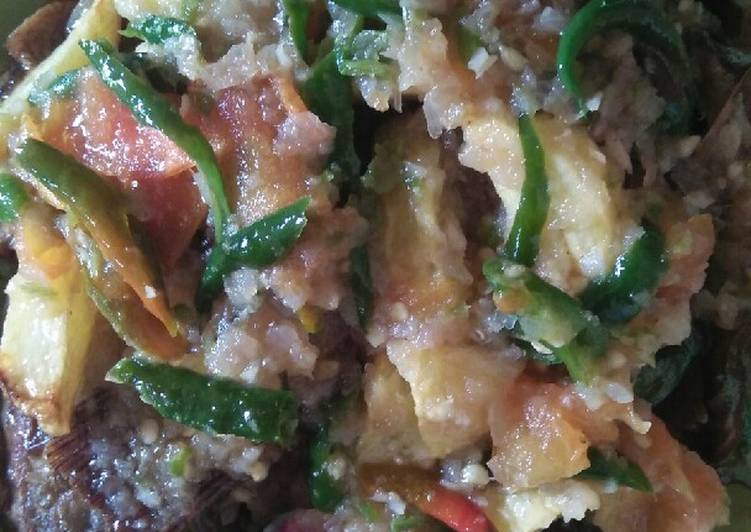 Ikan Mujair tauco kentang