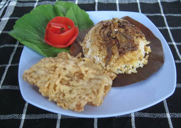 Nasi gegok khas Trenggalek ala Ria Safira