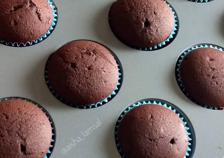 Cupcake cokelat (dasar /base) - cookandrecipe.com