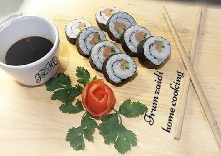 Recipe of Favorite 🐟🥒Salmon & Cucumber Sushi Rolls🐟🥒
