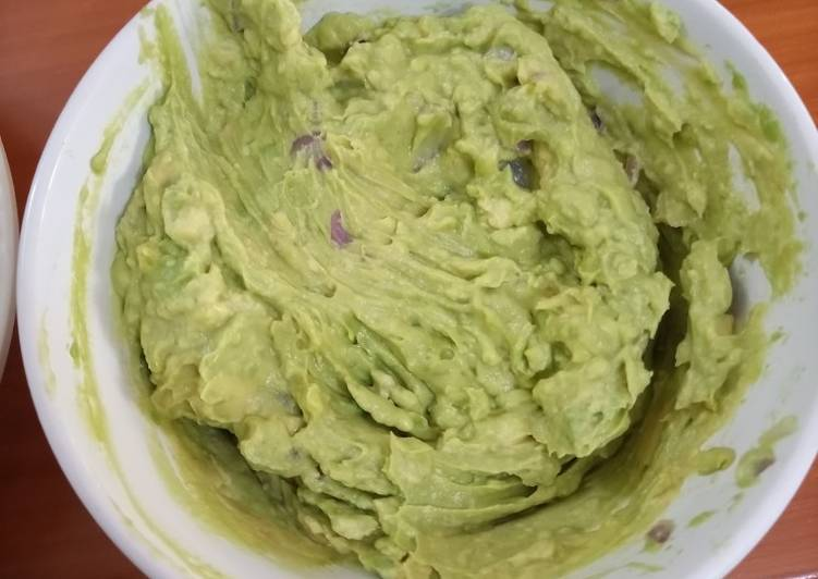 Simple Way to Make Award-winning Simple Guacamole