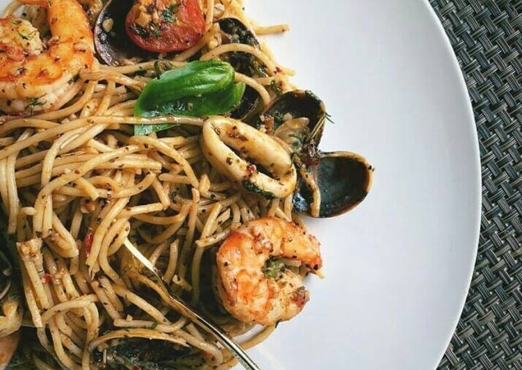 Recipe of Perfect Black Pepper Seafood Pasta