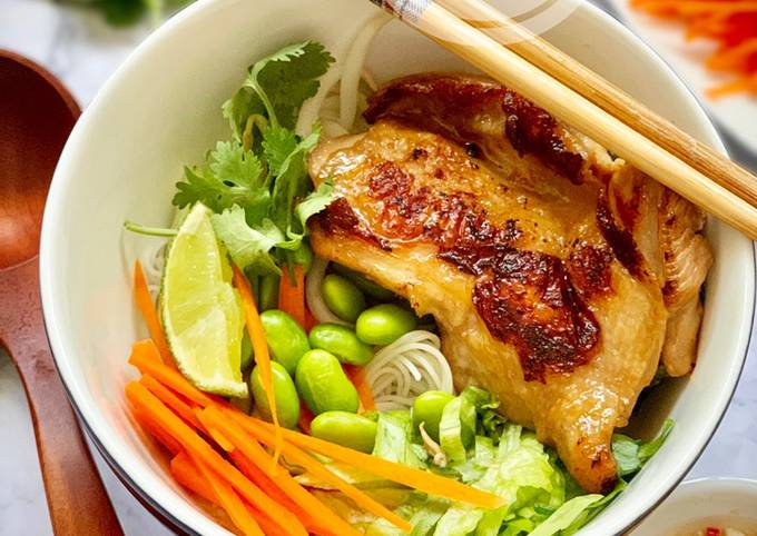 Tutorial Of Vietnamese Noodle with Lemongrass Chicken Step by Step