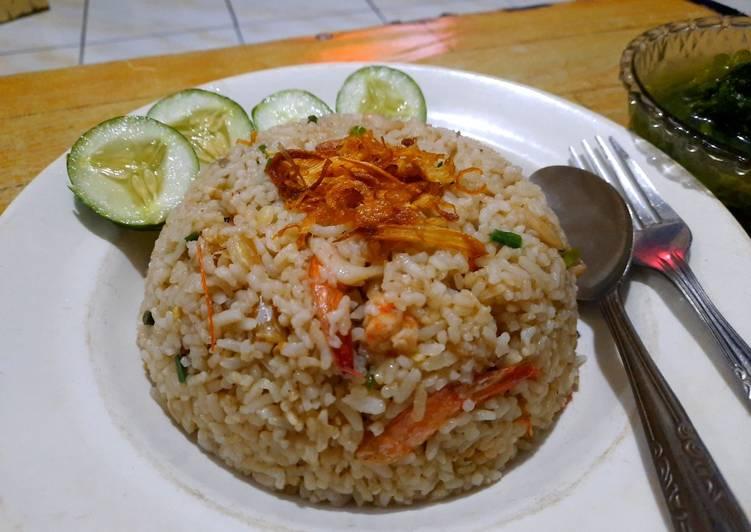 Nasi goreng seafood simple