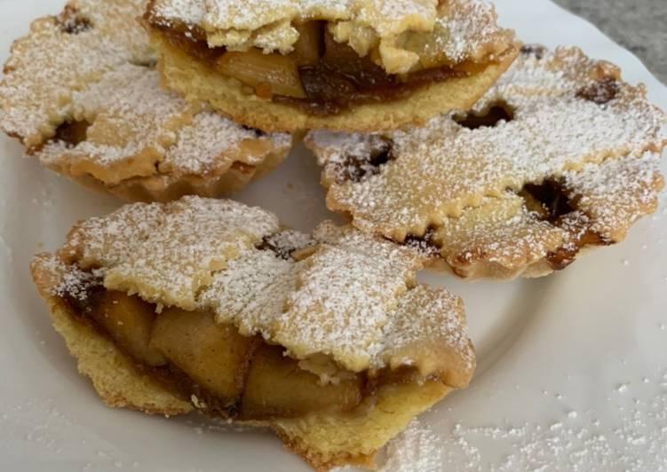 Crostatine di mela con confettura di albicocca