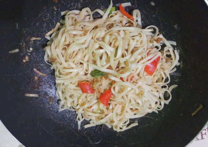 Nouilles sautées chinoises au poulet