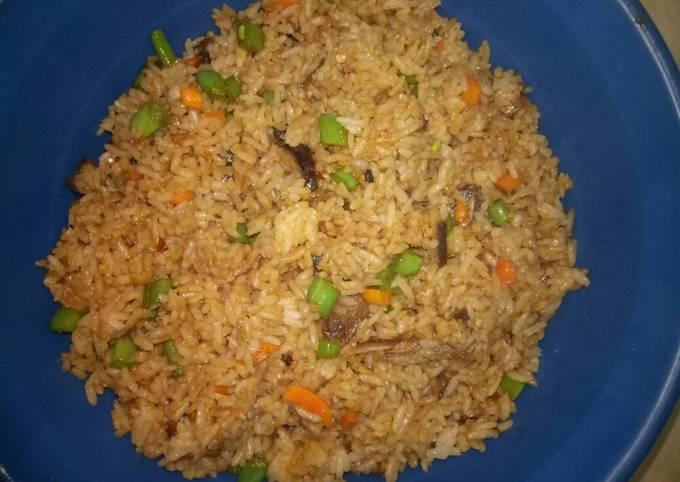 Nasi goreng ikan bumbu bali