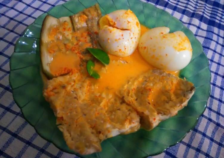 Pecel 3t ~ tempe, telur dan terong ala Malang
