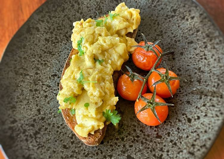 Indulgent Scrambled Eggs